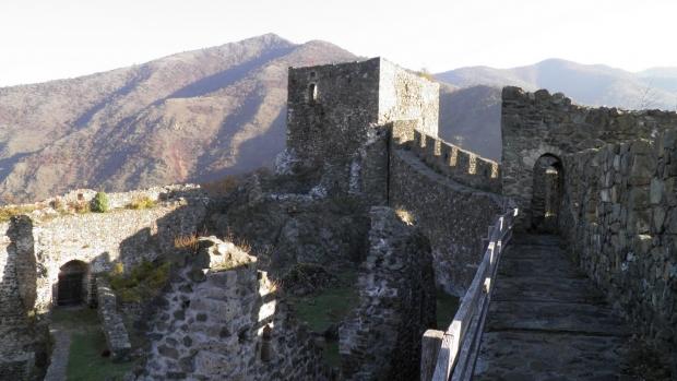 Maglič - srednjevekovni grad tvrdjava